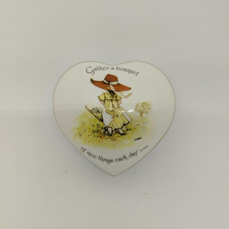 vintage Holly Hobbie porcelain heart shape jewelery trinket keepsake box Brazil