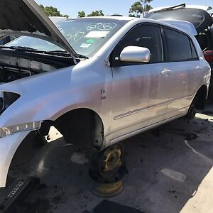 Toyota Corolla 2004 wrecking all parts available Roxburgh Park Hume Area Preview