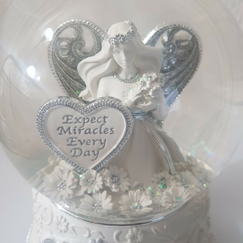 """Things Remembered Miracle Angel Rotating Musical Snow Globe """"Amazing Grace"""""""