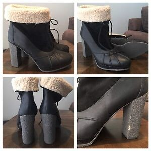 Rockport boots size 11