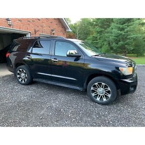 2008 Toyota Sequoia Limited - LOADED LEATHER
