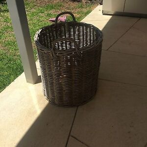 Free large round cane basket Canning Vale Canning Area Preview