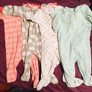4 footed sleepers EUC 6 months