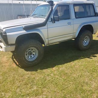 1989 Nissan patrol shorty