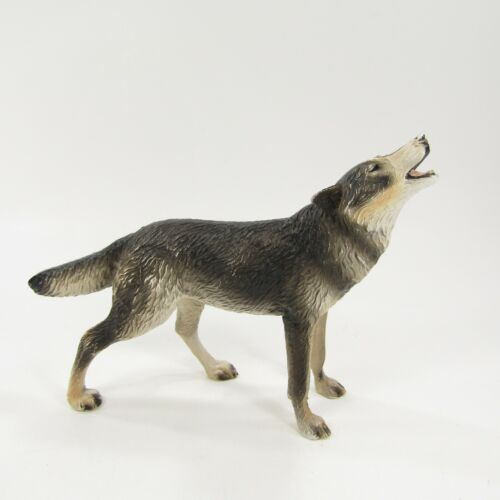 "Breyer Reeves Howling Wolf  (flawed) 6"" long 4.5"" tall"