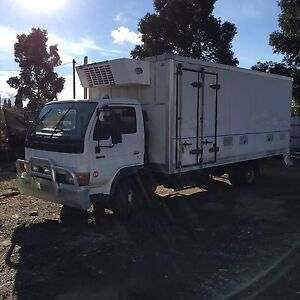 2000 Nissan ud refrigerated truck. Excellent condition Glenroy Moreland Area Preview