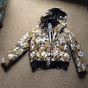 Powder Room Camo Core Sherpa Ladies Small Winter Coat
