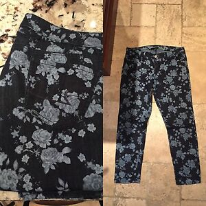 American Eagle Floral Jeans