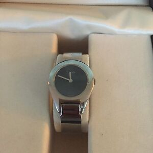Gucci 6700L Watch. crystal, stainless steel