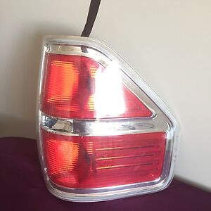 2009-2011 Ford F-150 tail light