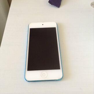 Ipod 5th Gen 32GB blue