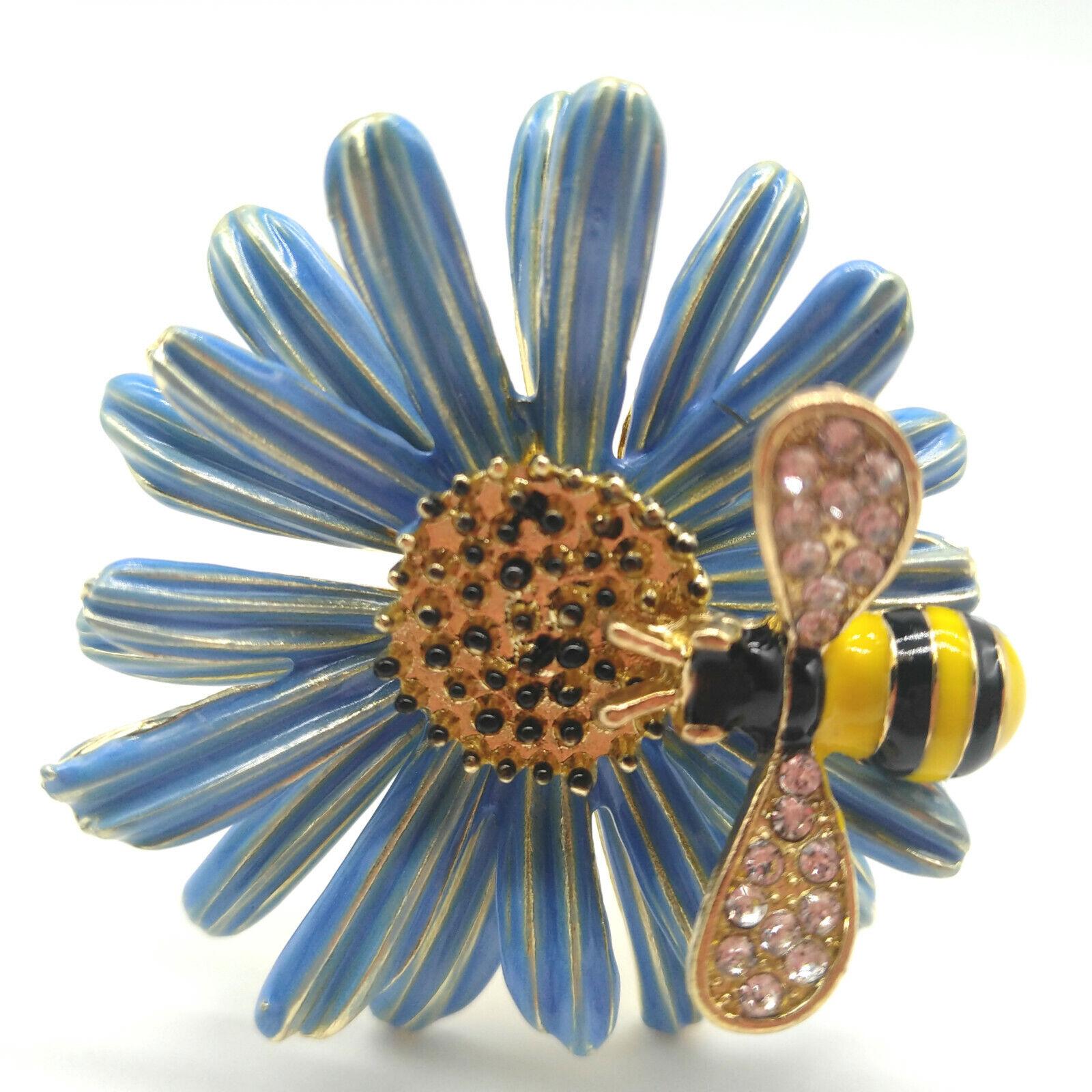 Blue Daisy Flower Napkin Rings, Set of 6 Bee Napkin Holders