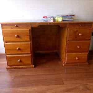 Solid Wooden Bookshelf & Matching Desk Mortdale Hurstville Area Preview