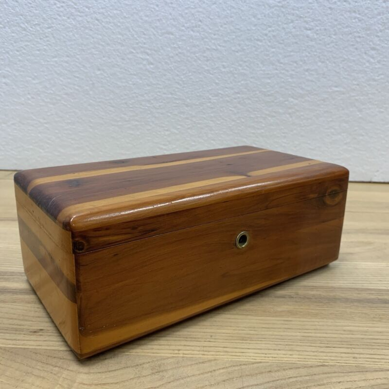 VINTAGE LANE CEDAR CHEST SALESMAN SAMPLE Box Hanford Furniture Company Calif CA