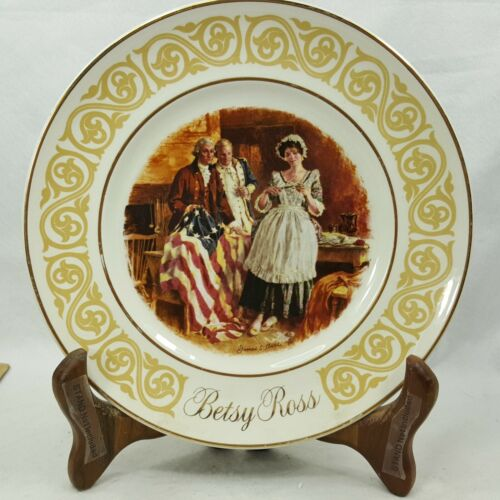 BETSY ROSS 1973 Avon Collector Plate Enoch Wedgwood (Tunstall) England EAFS7