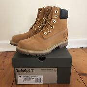 Women's Timberland shoes size 7  Highett Bayside Area Preview