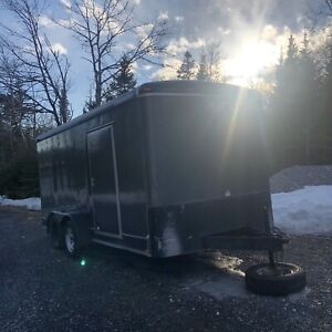 2013 Enclosed trailer 16 ft