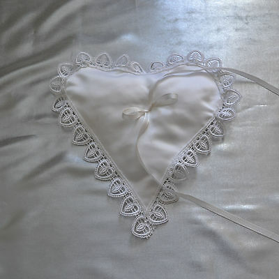 Ringkissen mit  Spitze in Weiß Farbe (2)