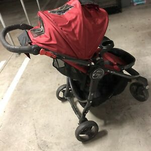 Baby Jogger city versa red pram Essendon North Moonee Valley Preview