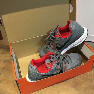 Nike shoes 8.5 wide men's  Kitchener / Waterloo Kitchener Area image 8