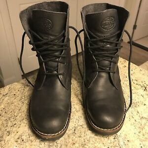 Roots Hi Top Tribe Boots (size 7.5)