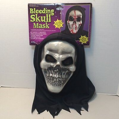 Special Effects Halloween Masks (Bleeding Skull Mask Blood Flow Pump Scary Halloween Special Effects Mask)
