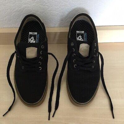 Vans Off The Wall Skateboard Shoe PRO Black UK Size 7 with Tee Shirt Size Medium