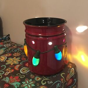 Holiday Scentsy Warmer- Excellent Condition -Reduced to $25