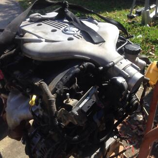 Holden commodore vz engine and gearbox Eagle Vale Campbelltown Area Preview