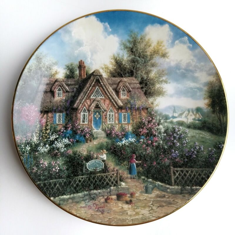 """""""Beary Patch Cottage"""" Collector"""
