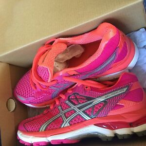ASIC women shoes size 6.5 West Gladstone Gladstone City Preview