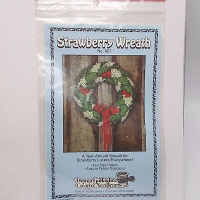 "Strawberry Wreath Pattern Donna Gallagher Calico 807 1982 1980s 16"" Year Round"