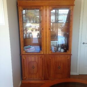 Van Treight Glass Display Unit/Antique Pretty Beach Gosford Area Preview
