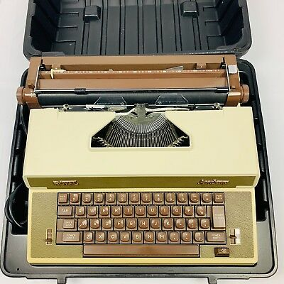 Royal Business Vintage Typewriter W Original Case Model Academy