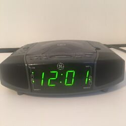 General Electric GE 7-4897A Dual Alarm Stereo CD Clock AM FM Radio Sleep Nap