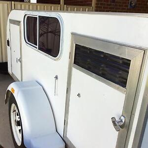 Dog trailer Springdale Heights Albury Area Preview