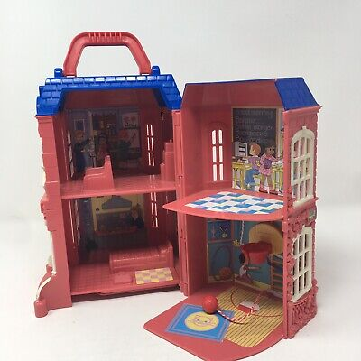 FISHER PRICE SWEET STREET SCHOOL # 77334 school only no accessories doll house