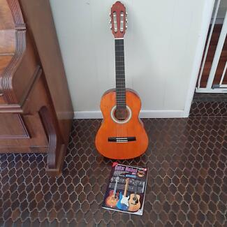 Valencia Student Guitar The Gap Brisbane North West Preview