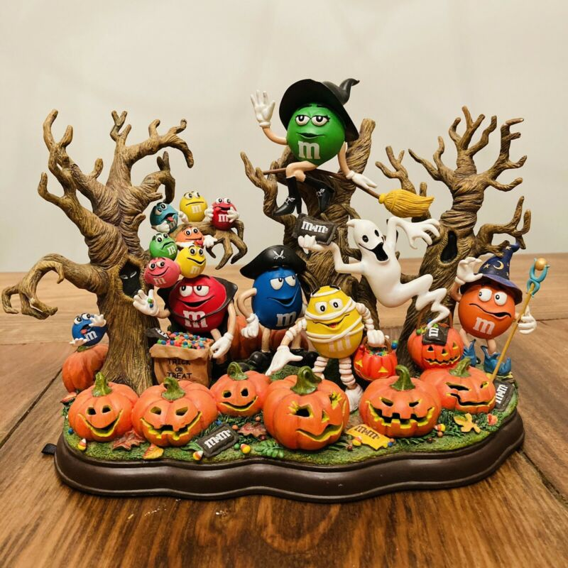 "Danbury Mint ""Haunted Pumpkin Patch"" M&M's Halloween Collectible Figure EUC"