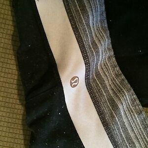Two pairs of lulu lemon pants both size 6