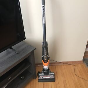 Bissell Bolt Ion Professional Cordless 2 in 1 Vacuum