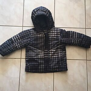 Columbia winter jacket water proof - size 3T