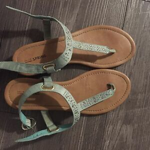 Ladies' Sandals, Size 9.5 In Good Condition