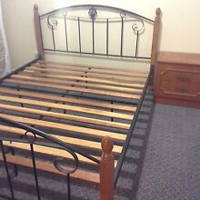 QUEEN SIZE BED FRAME Seacombe Gardens Marion Area Preview