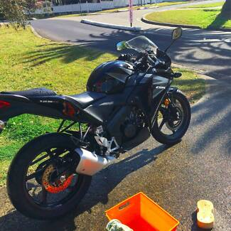 HONDA CBR125 2013 Model 4000Km - Perfect Condition Chatswood Willoughby Area Preview