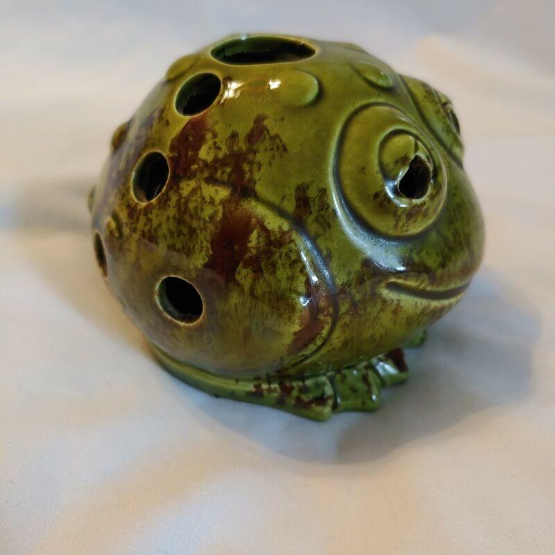Vintage Ceramic Frog Candle/Tea light Holder Made In Japan