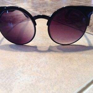 FAKE CHANEL GLASSES GREAT CONDITION ..$10 NO HOLD