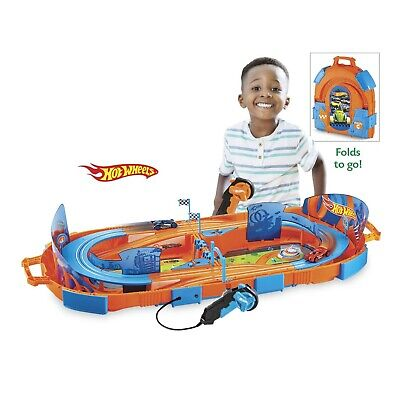 Hot Wheels Track Pack - Slot Track Carrying Case Set with 10 feet of track
