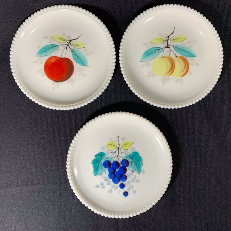 Vintage Westmoreland Milk Glass Beaded Plates Hand Painted Fruit Apples Grapes P