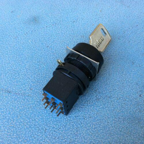 IDEC LW-C3, 3 Position Key Switch , 38